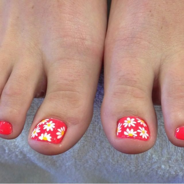 Toe Nail Design With Flowers