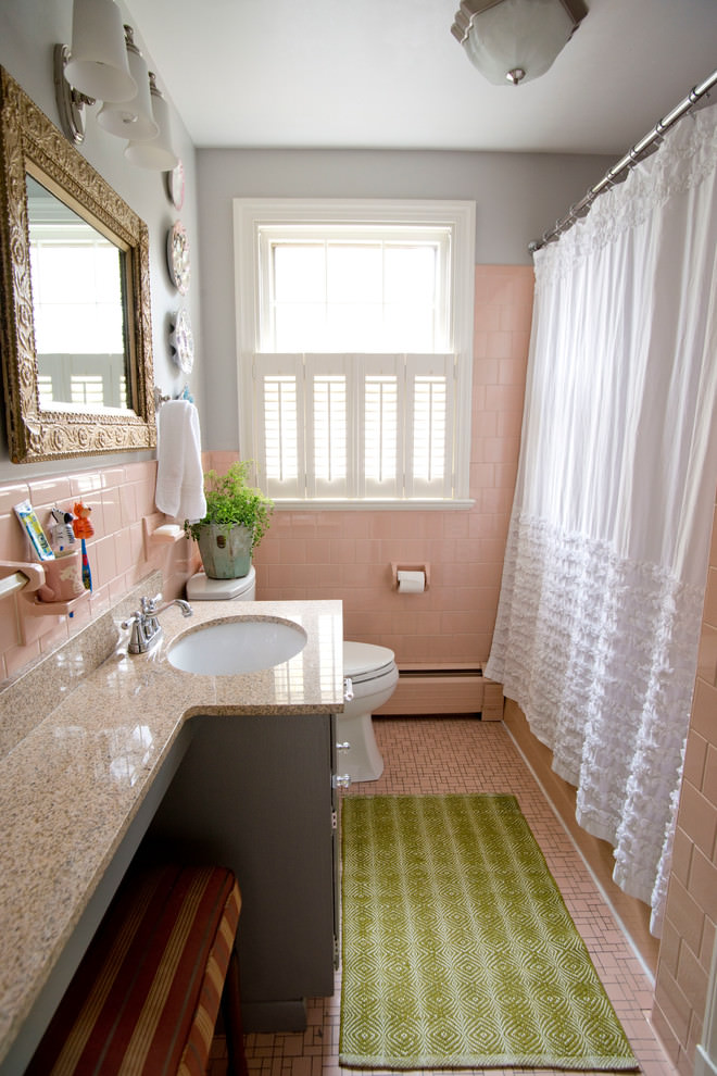 25 narrow bathroom designs decorating ideas design trends for Pink and brown bathroom ideas