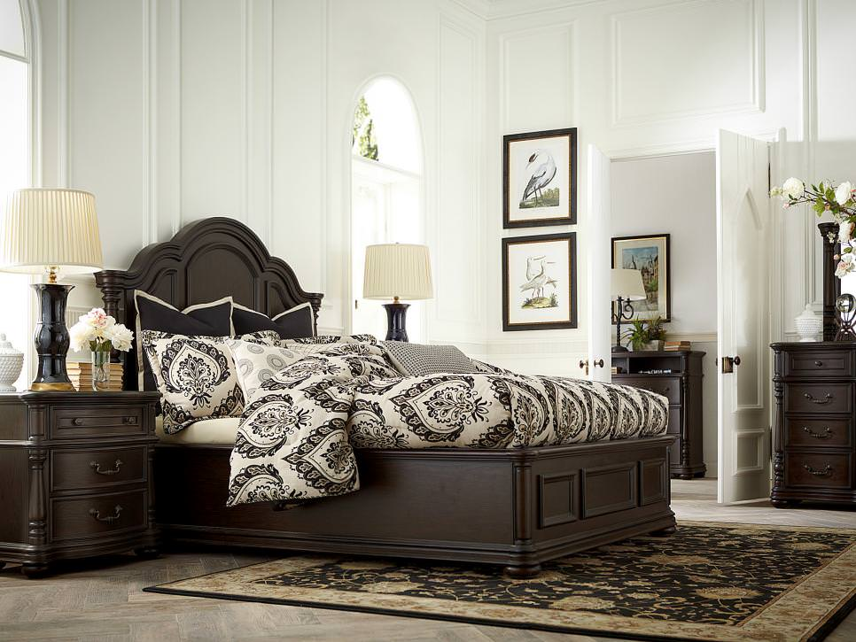 black and white transitional master bedroom