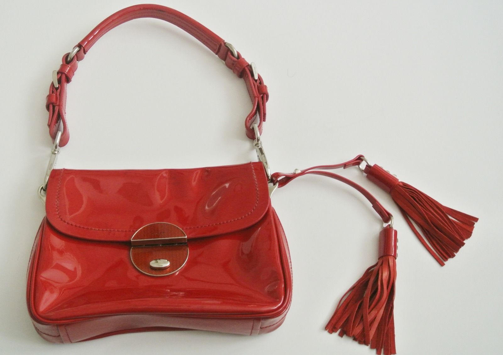 29+ Red Handbag Designs, Ideas | Handbags | Design Trends