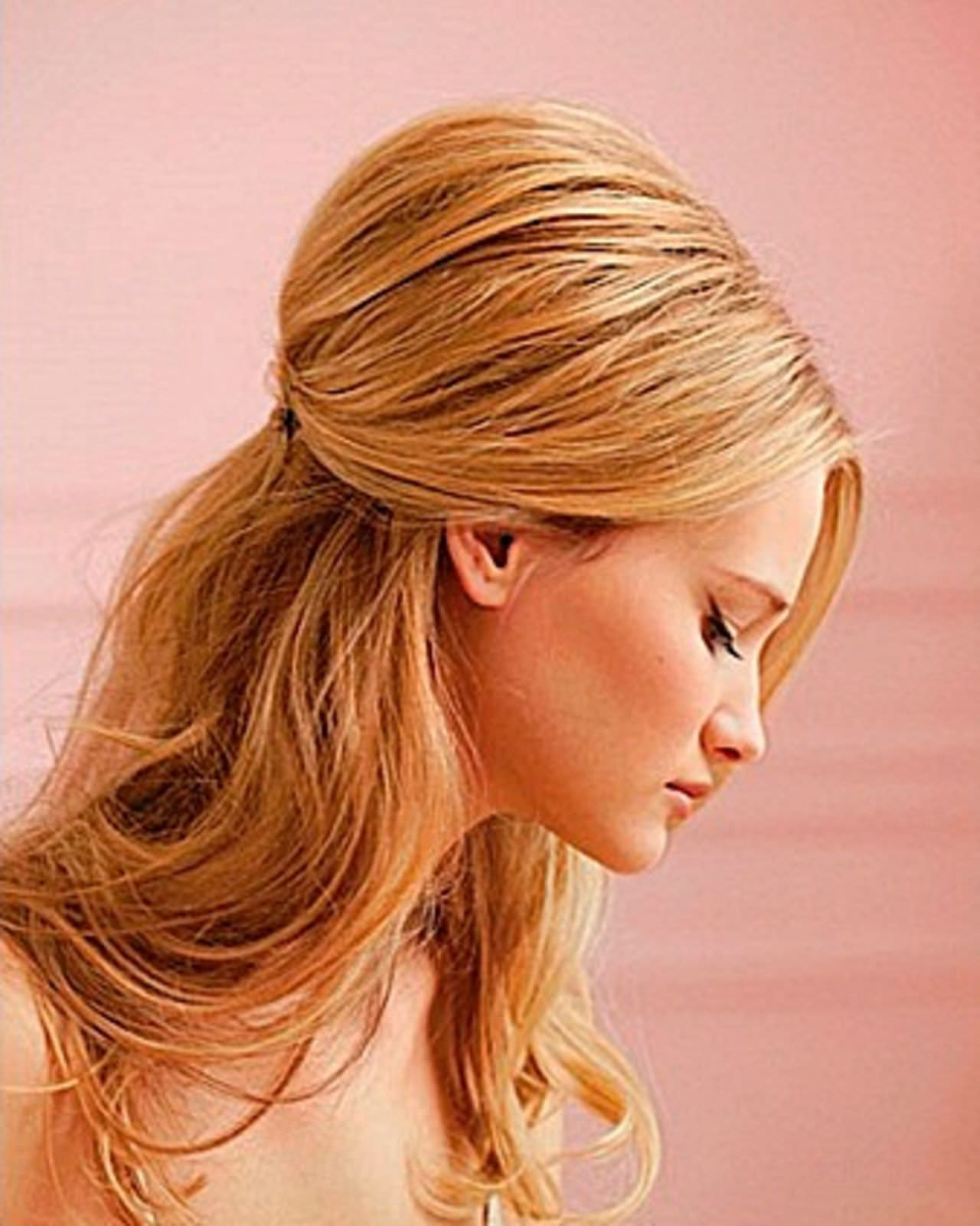 Причёска на средние волосы фото с объемом