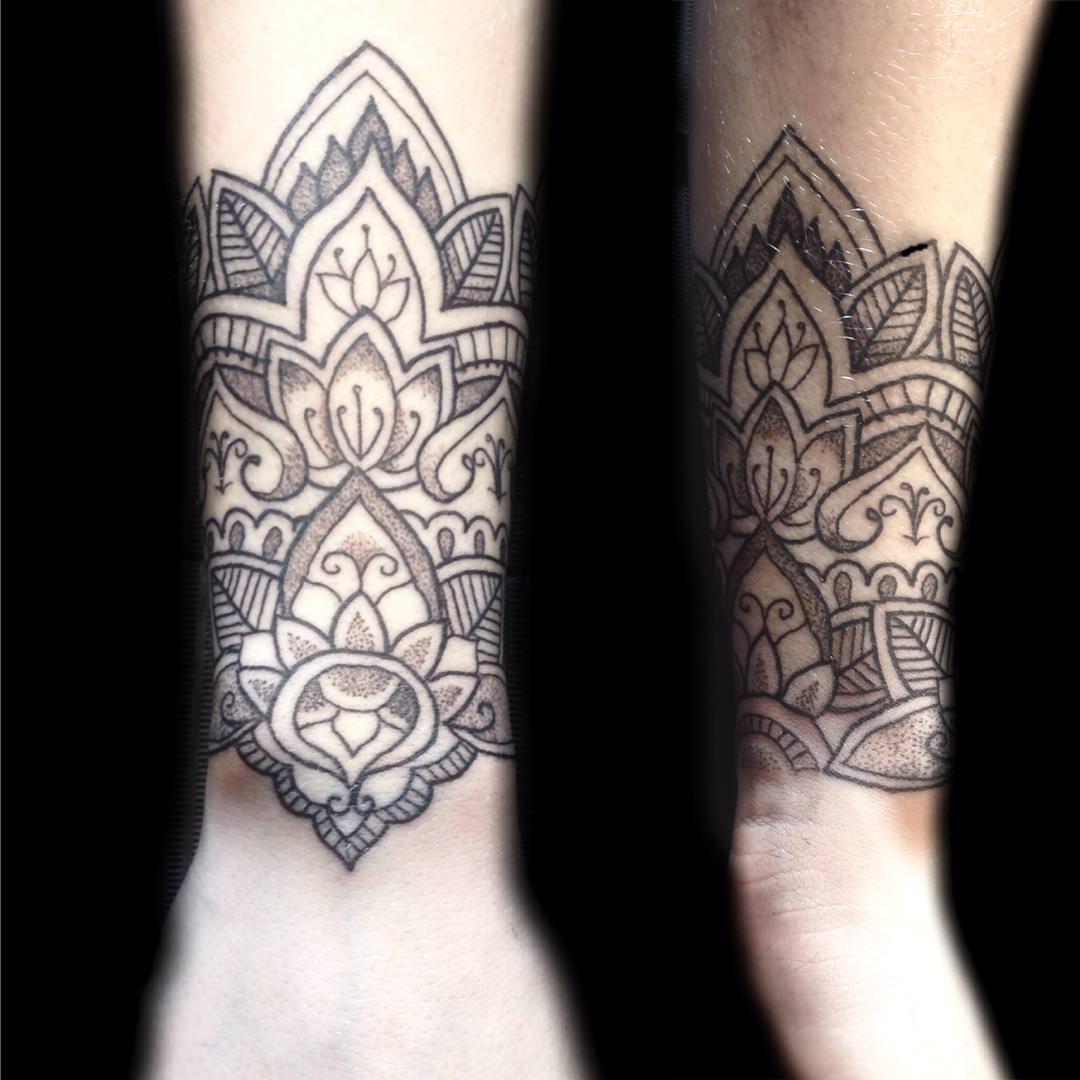 Tattoo Ideas Elegant: 30+ Small Wrist Tattoos