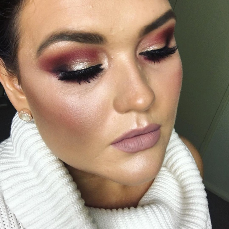 Communication on this topic: Tutorial: A Stunning Glitter Eye Makeup Look , tutorial-a-stunning-glitter-eye-makeup-look/