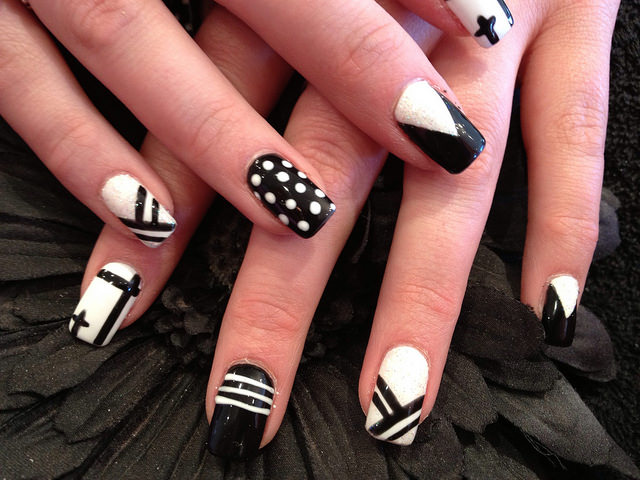 black and white acrylic nail design11