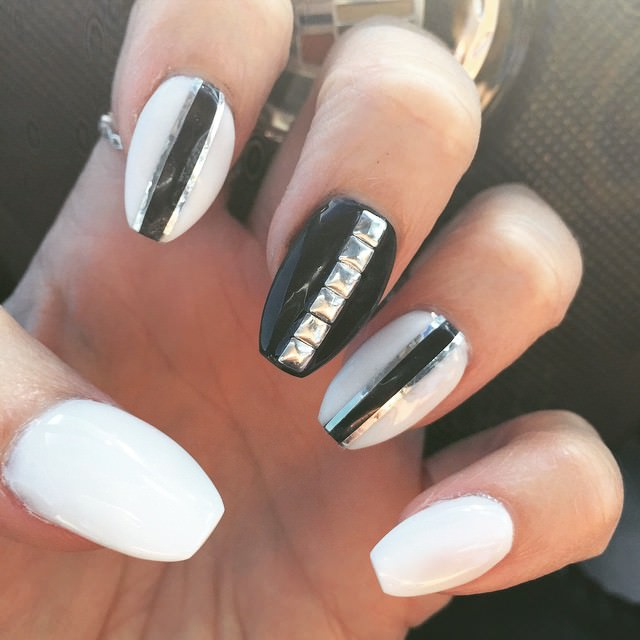 black and white acrylic nail designs2