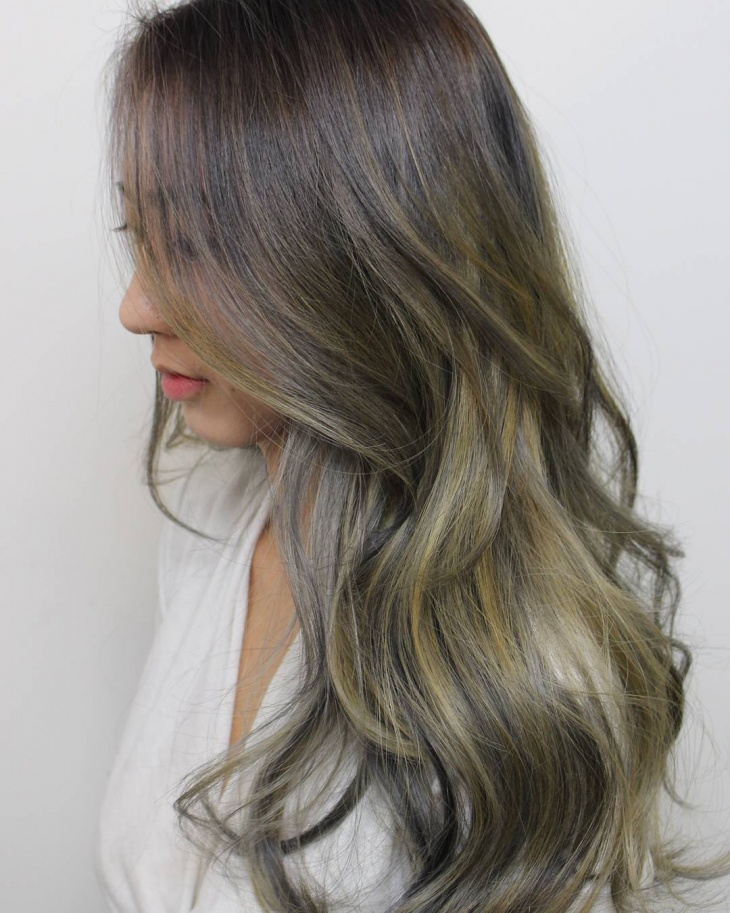 Korean Ombre Hairstyle for Wavy  Hair
