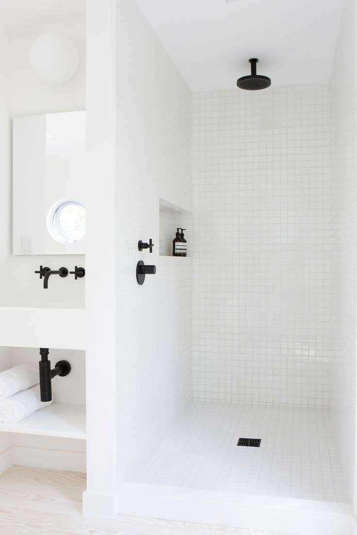 Moderne White Bath Rooms Design