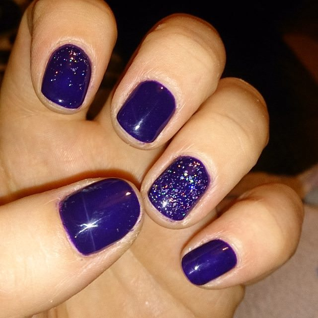 Accent Purple Nail Design, mixed glitter .