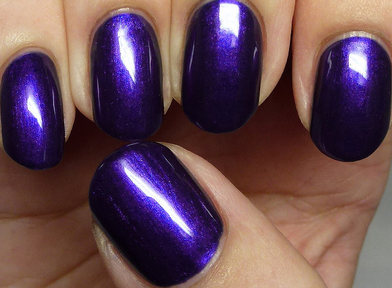 dark blue gray purple nail design