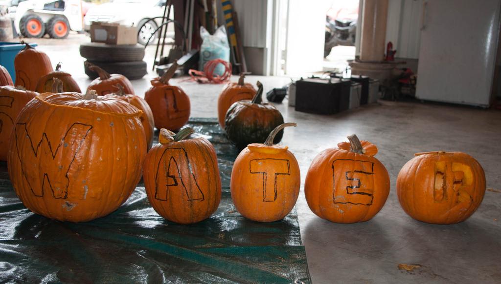message pumpkin carving patterns design as water
