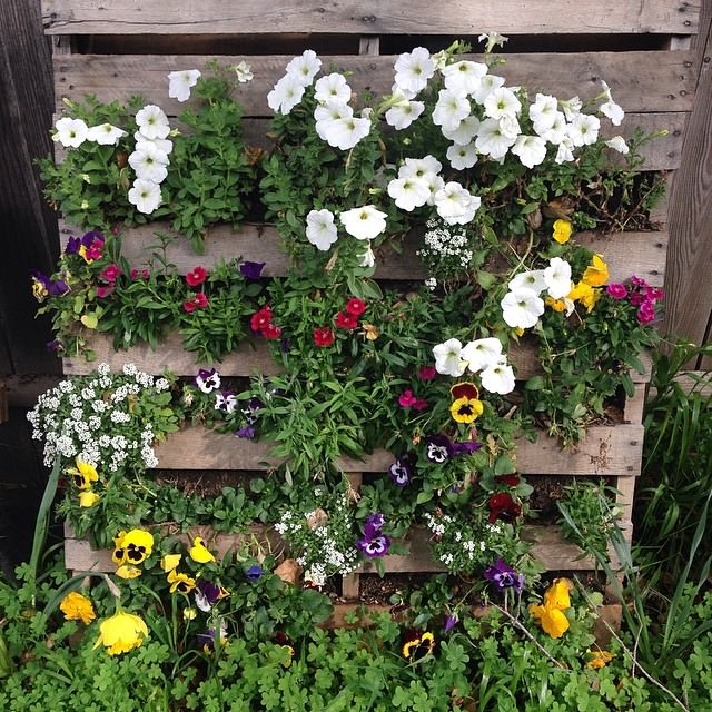 Awesome Pallet Planter Design