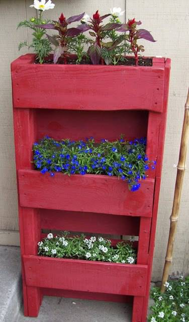 Creative Pallet Planter Design