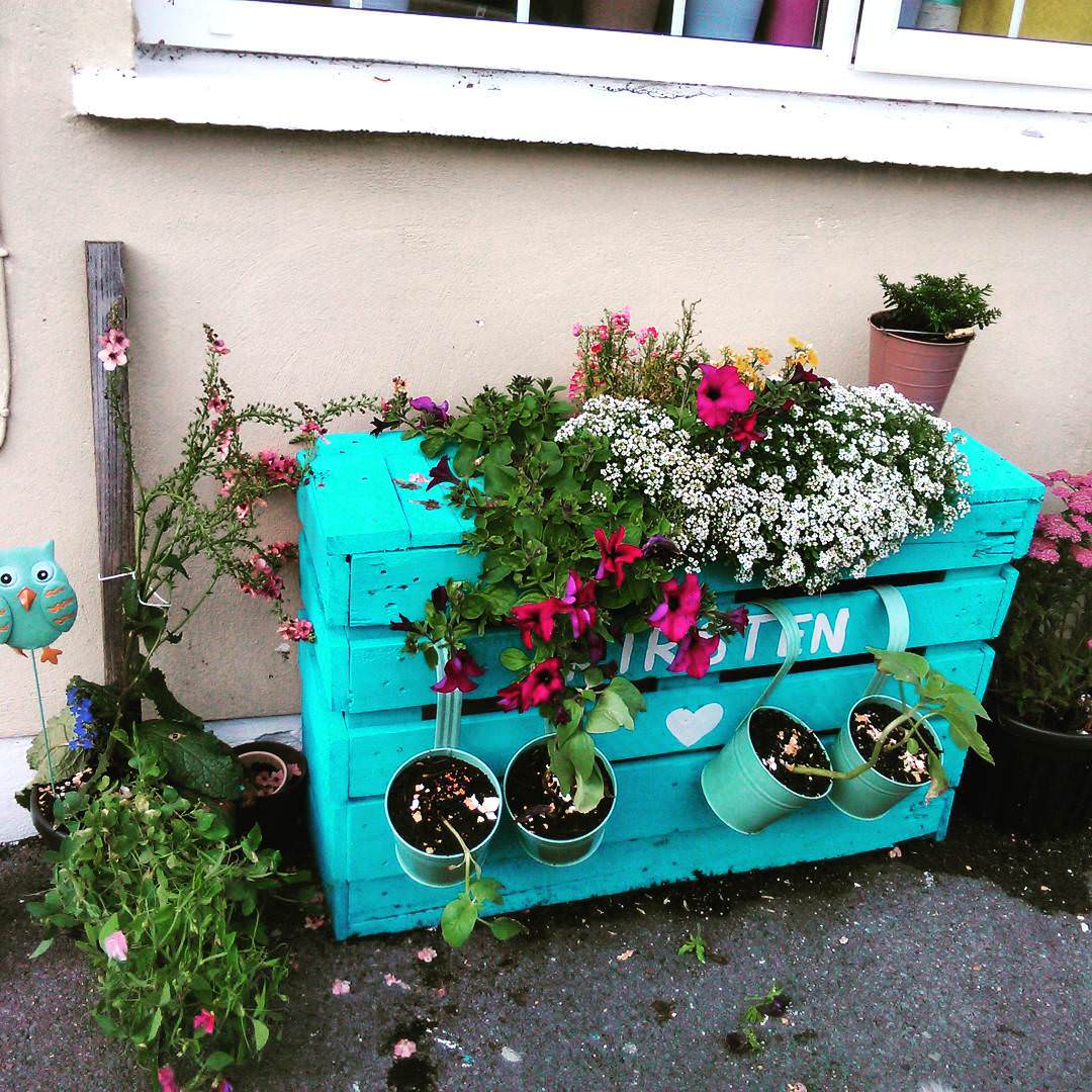 Little Garden Pallet Planter Design