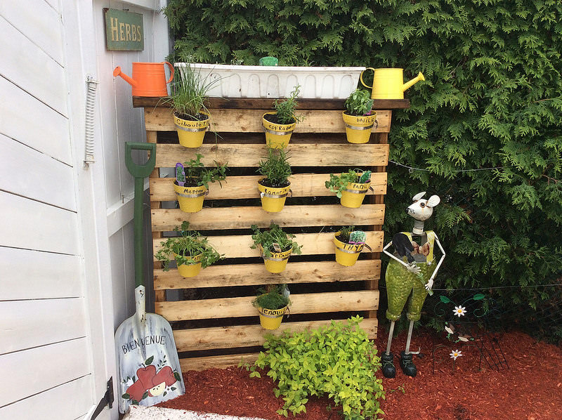 34 diy pallet planter designs home designs design for Macetero vertical pallet
