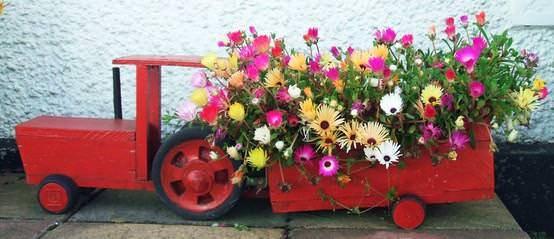 Tractor Pallet Planter Design