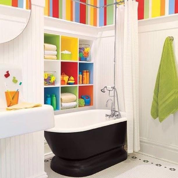 colourfull fabulous kid bath room design