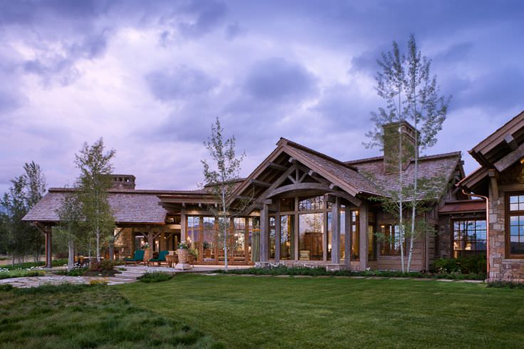 Sloping Rustic Residence Exterior Design
