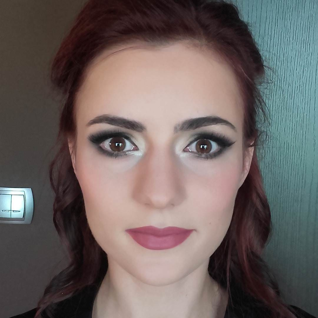 brown eye makeup design for wedding