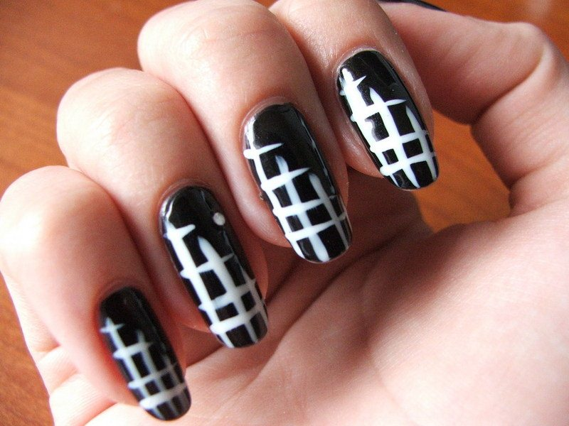 black fall nail design1