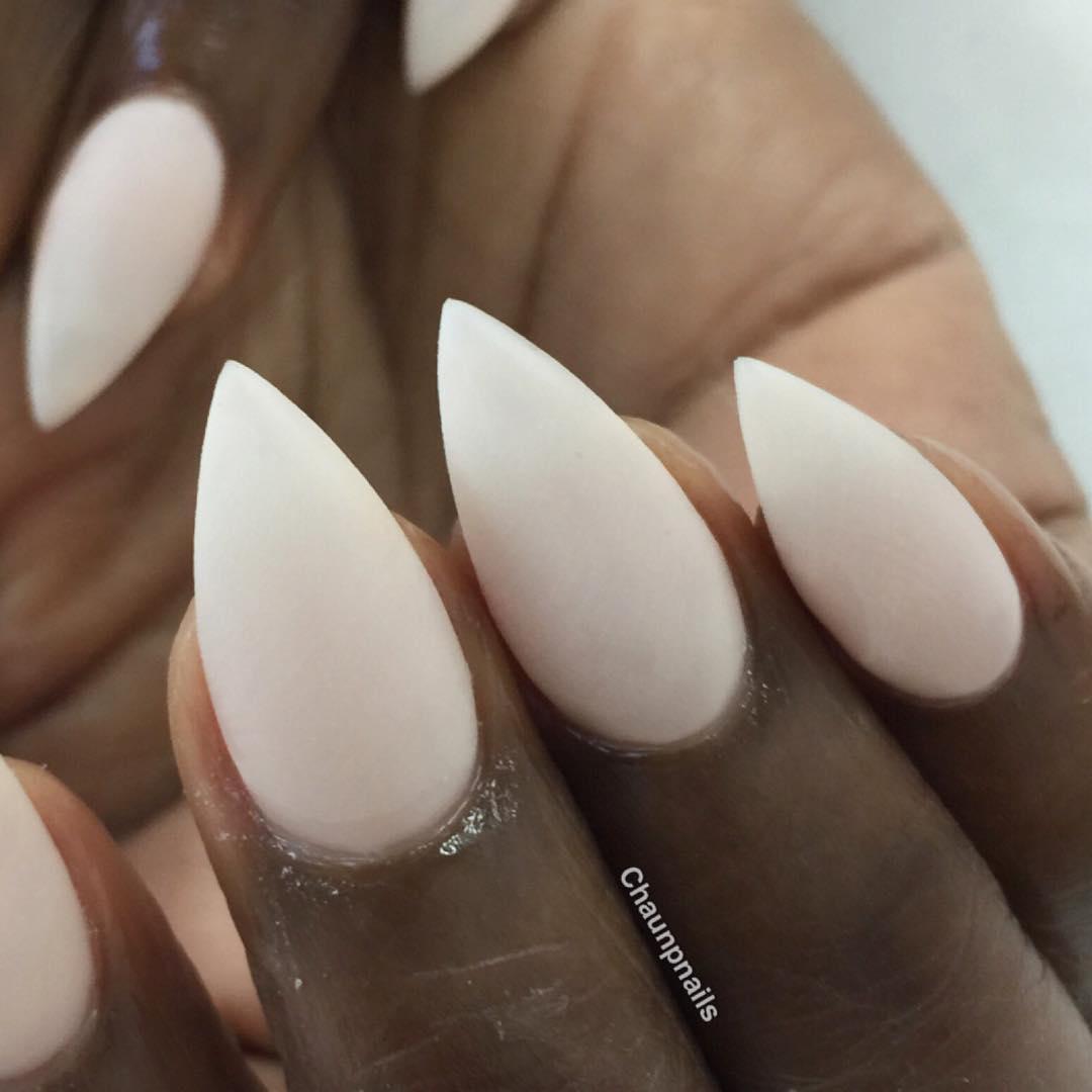nude matte nail design2