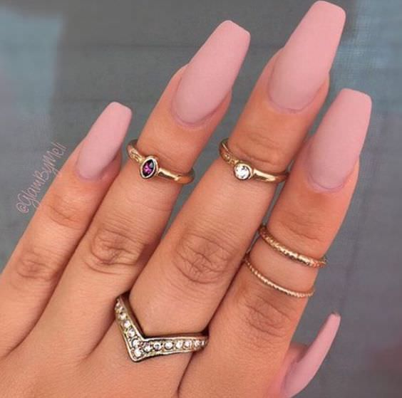 nude matte nails design1