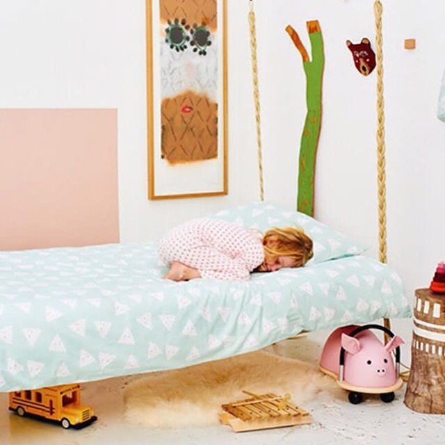 Girls Nursery Bed Design, toys.