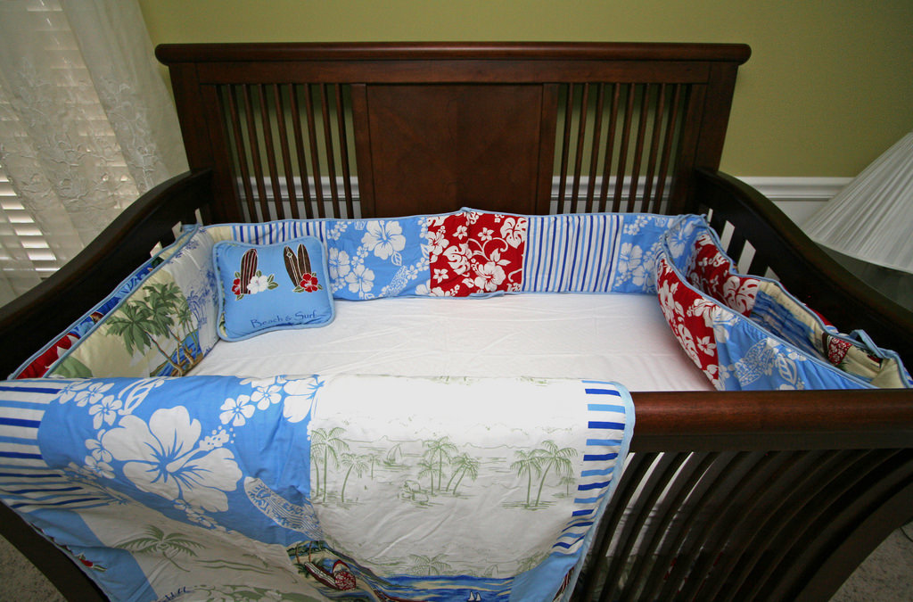 Little Nursery Bed Design, wood nursery bed