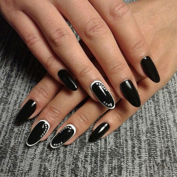 Beautiful Black Summer Nail Design