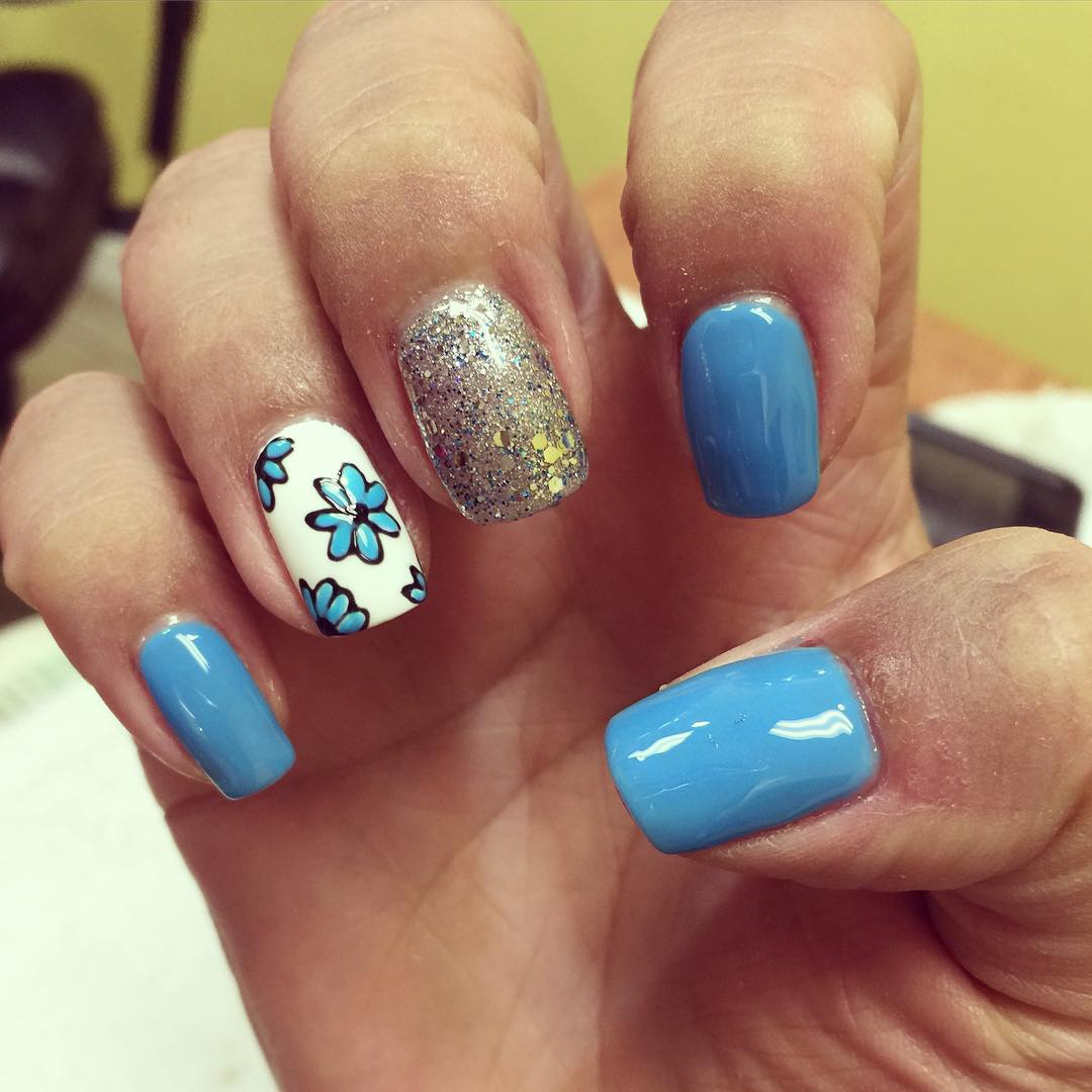 Cute Blue Summer Nail Design