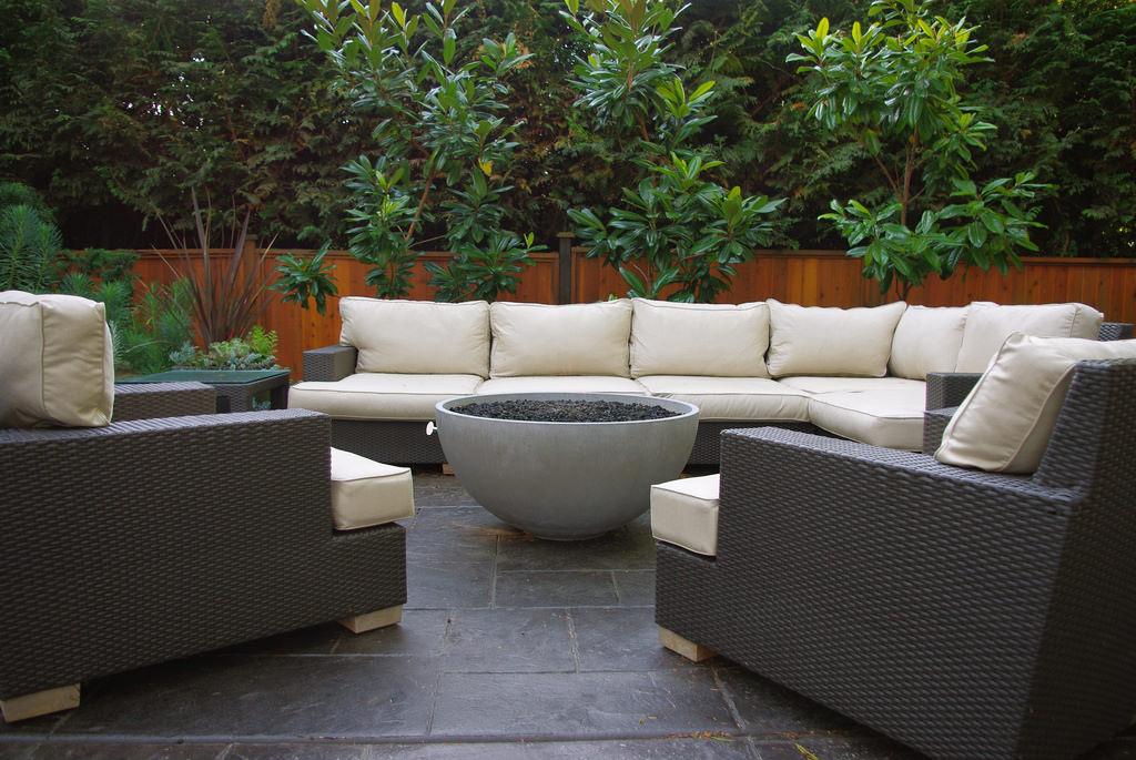 Beautiful Contemporary Patio Design
