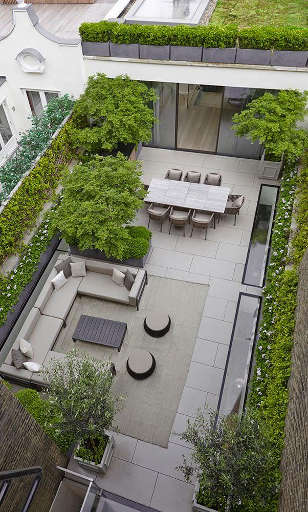 Natural Contemporary Patio Design