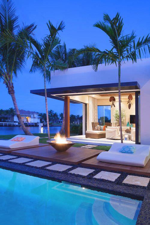 Simplicity Contemporary Patio Design