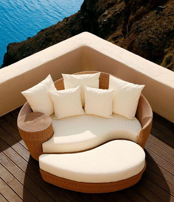 luxury's Contemporary Patio Design