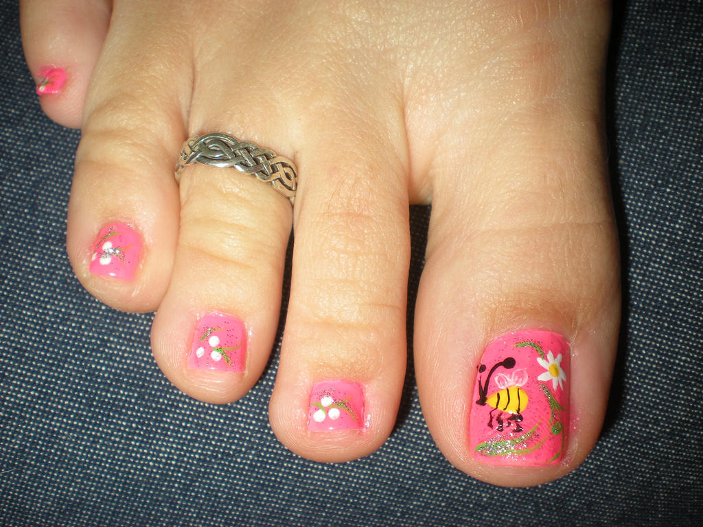 Beautiful Flower Toe Nail Design
