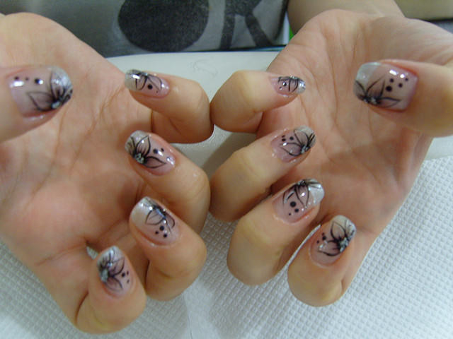 Black Flower Toe Nail Design