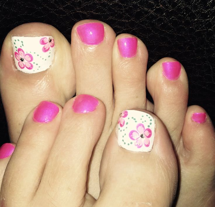 Pink And White Flower Toe Nail Design