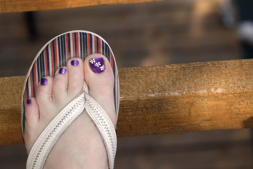 Three Flower Toe Nail Design