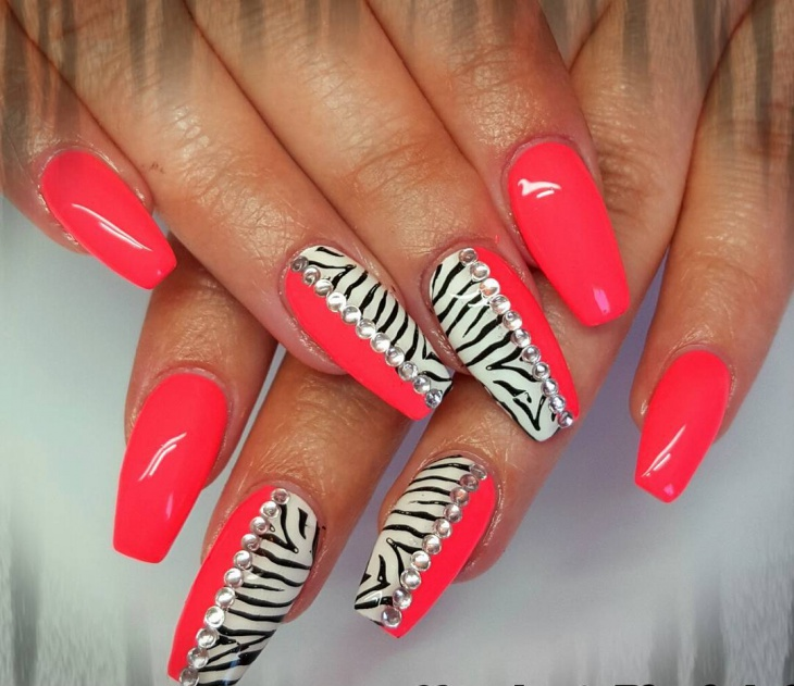 Divide pink and Zebra print Nails