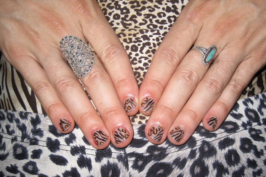 Top Leopard Nail Design