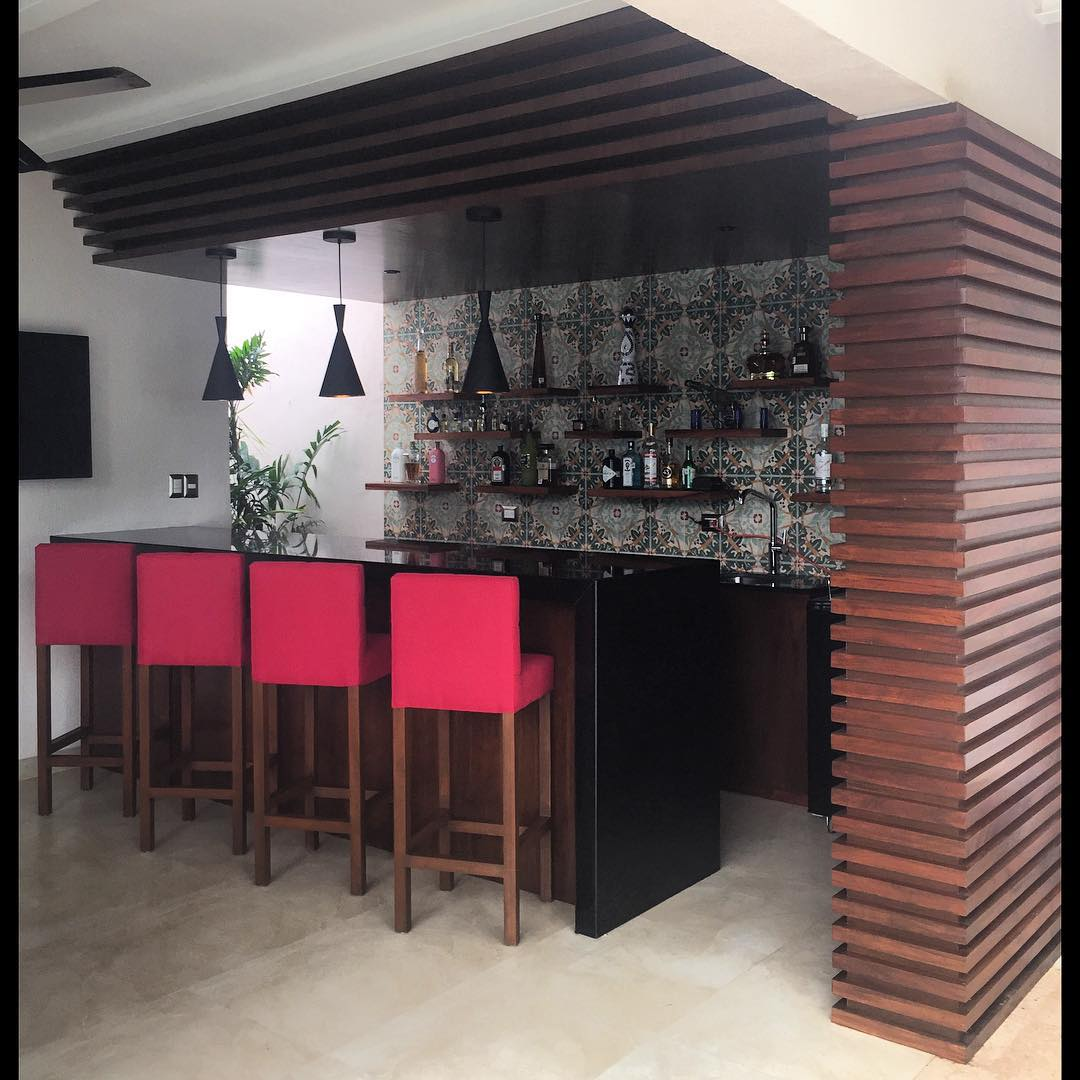 Creando Home Bar Furniture Design