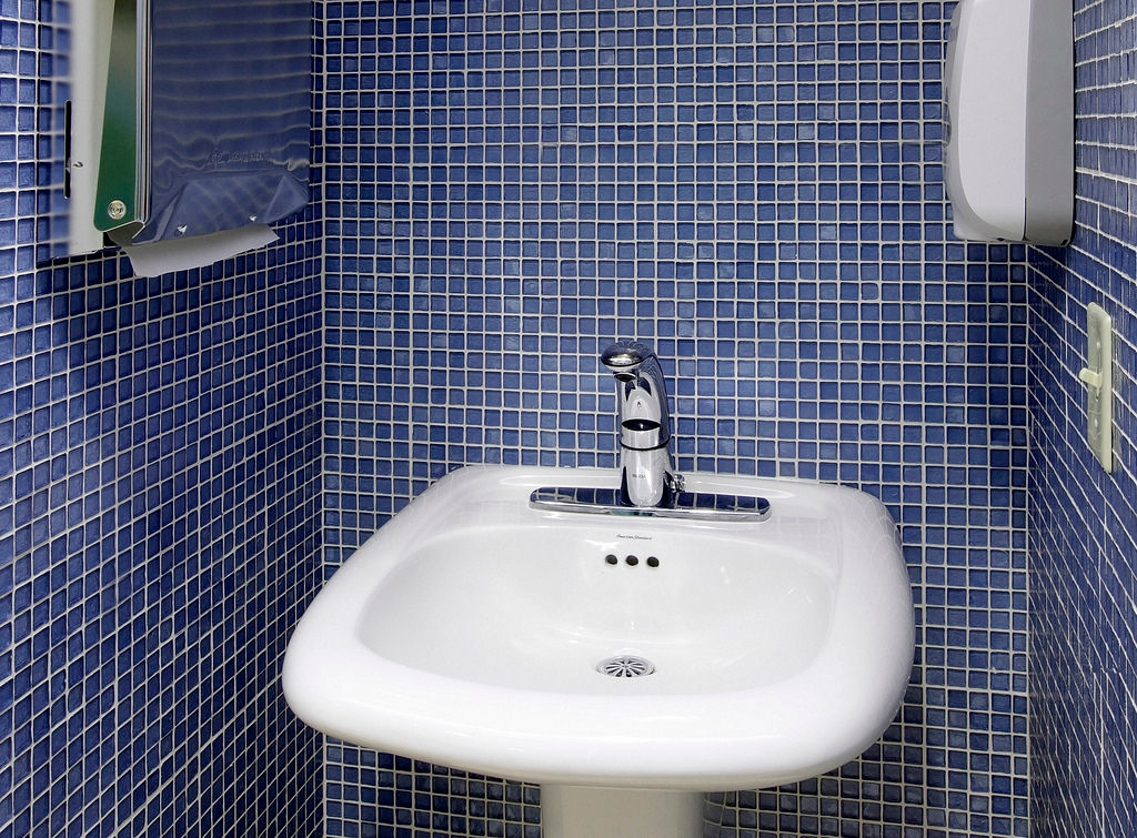 blue bathroom wall tile design - Bathroom Wall Tiles Design
