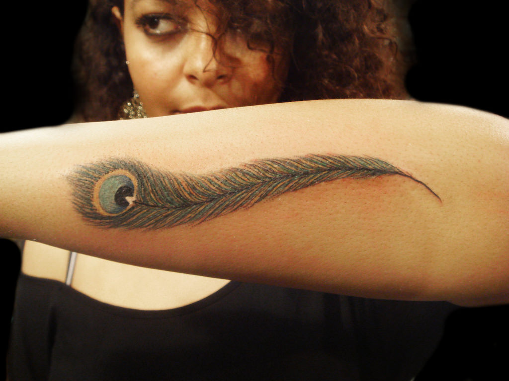 arm peacock feather tattoo3