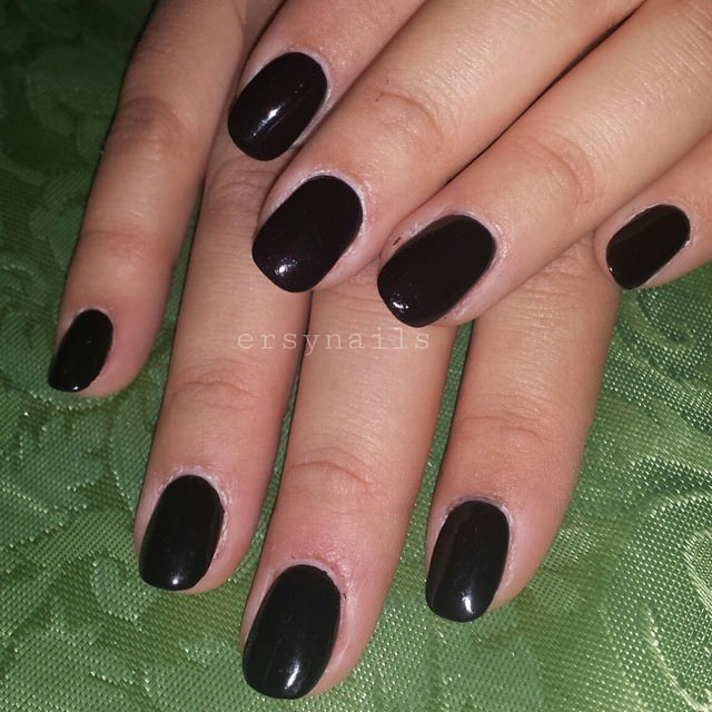 Full Black Acrylic Nail Designs