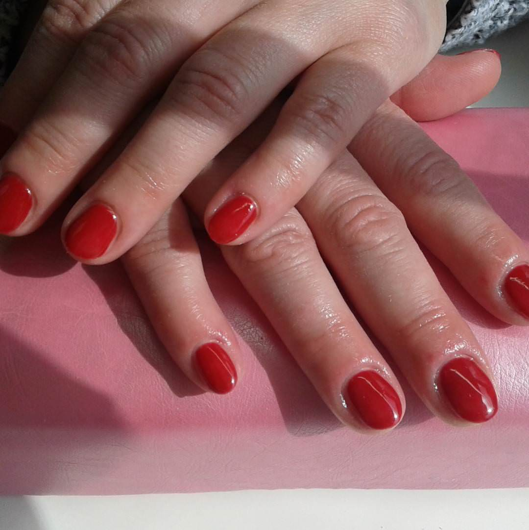 Beautiful Red Short Nails Design