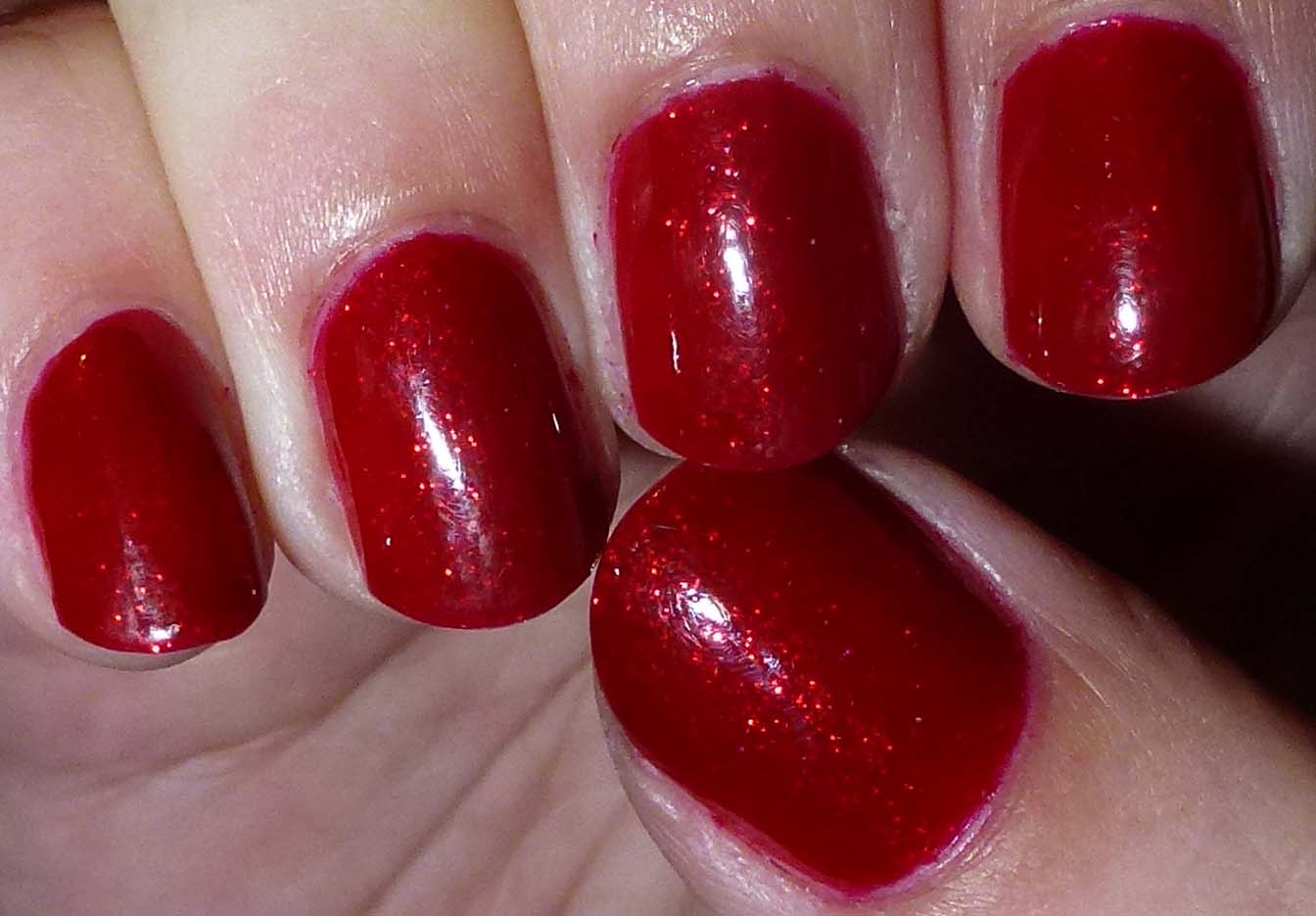 Dark Red Glitter Design