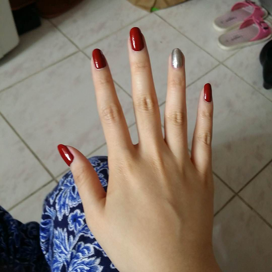 Dark Red Nail Design - Pretty Red Nail Designs Design Trends - Premium PSD, Vector