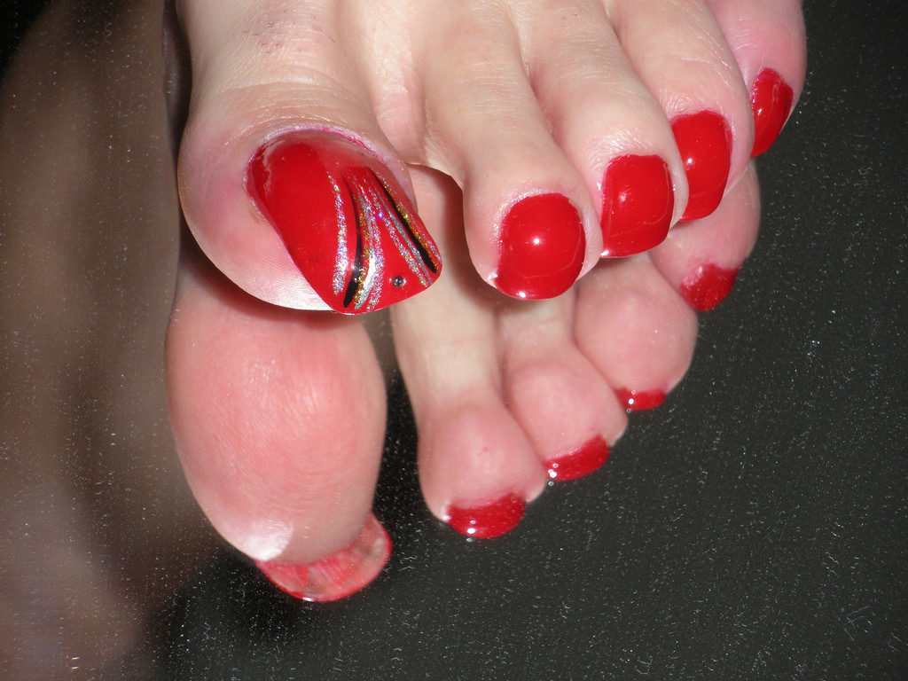 Lections Red Nail Design