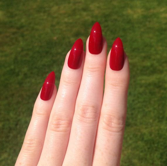 Polish Red Nail Design