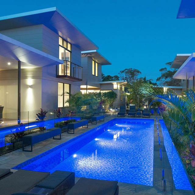 34+ Stunning Swimming Pool Lighting Designs | Home Designs | Design ...