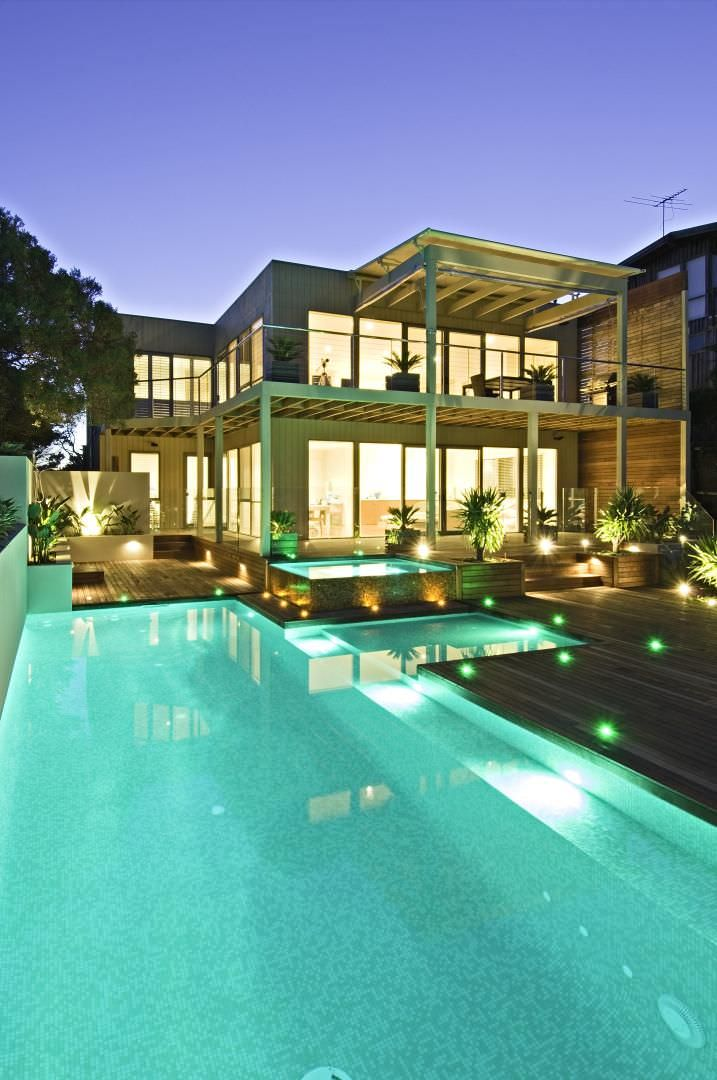 ultra contemporary swimming pool lighting design